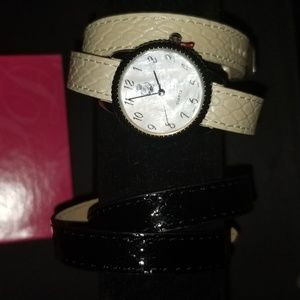 Time to wrap ladies watch